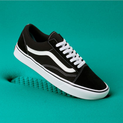 BUTY VANS COMFYCUSH OLD SKOOL (BLACK/WHITE)