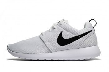 Buty Nike Roshe One 844994-101 black/white