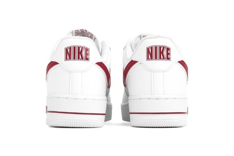 43957e8ab861 Buty Nike Air Force 1 07  (AO2423-102) Gym Red