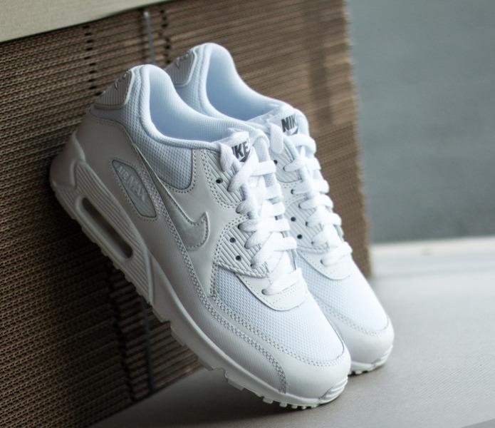 Nike Buty damskie Air Max 90 Mesh Gs białe r. 38 (833418 100