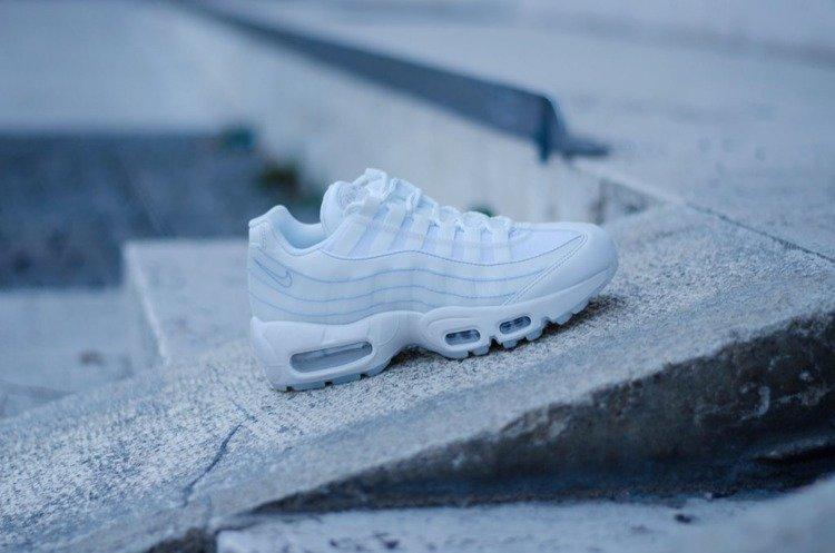 Buty Nike Wmns Air Max 95 (918413 102) SUMMIT WHITE | Obuwie