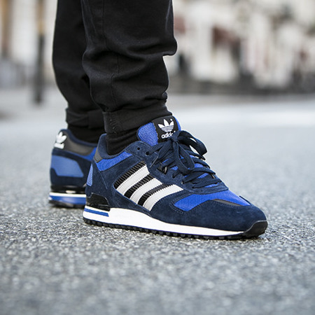 Buty Adidas ZX 700 M19392 Navy